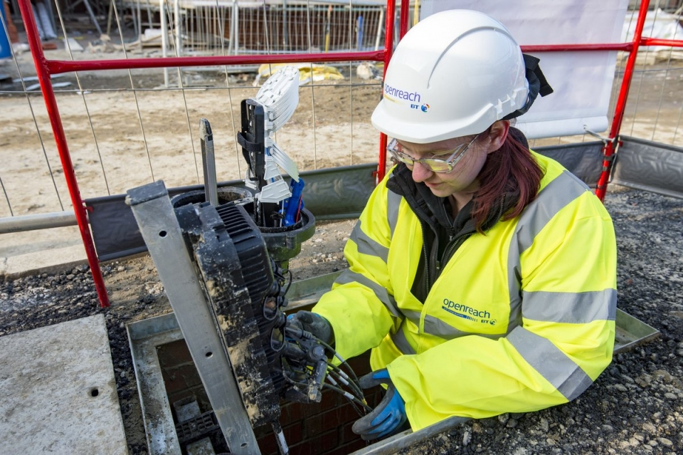 Thousands more premises to get superfast in the South East